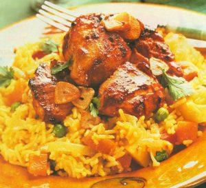 طاجن الأرز بقطع الدجاج والكريمة